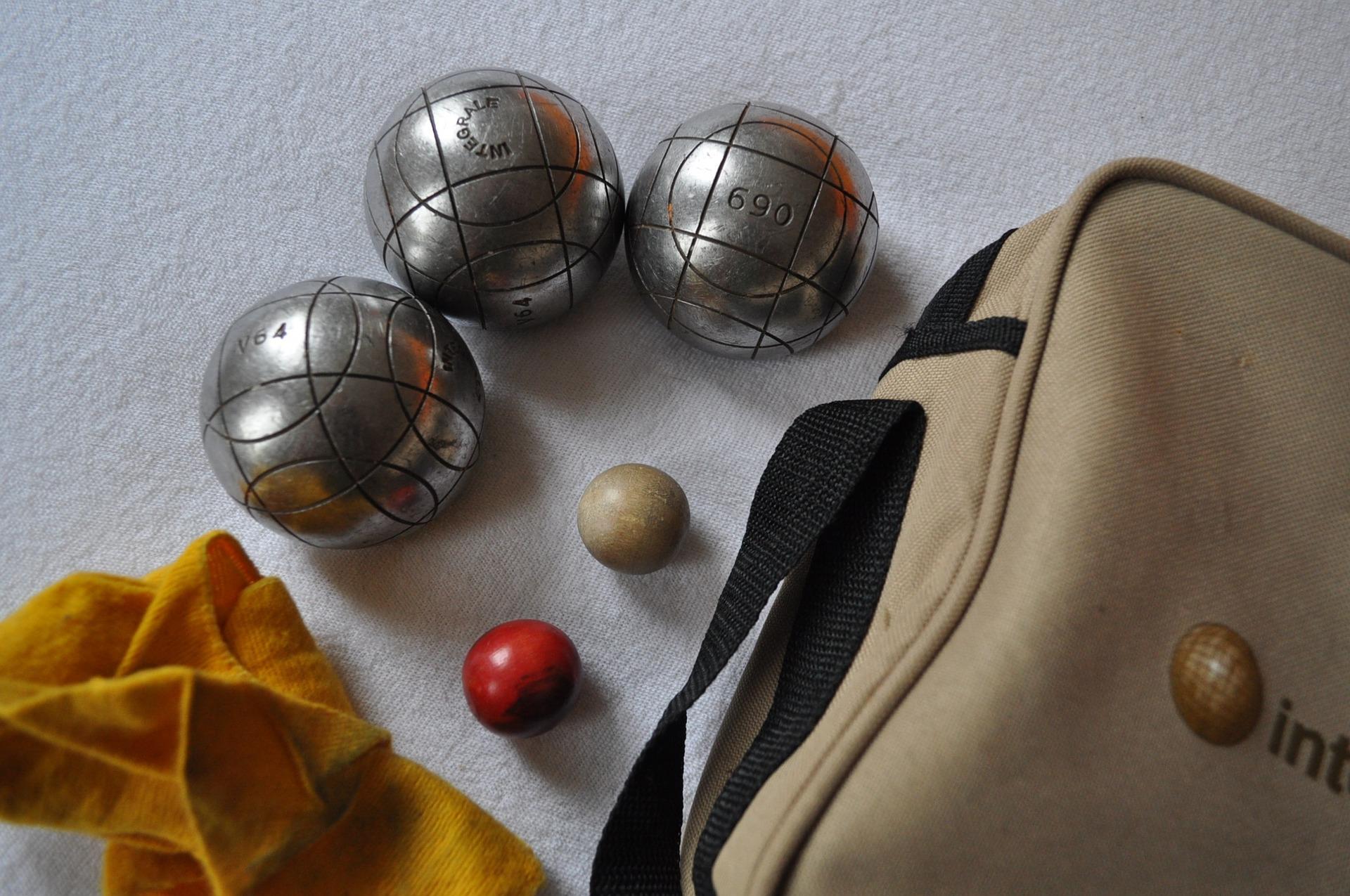 Les astuces pour choisir les bonnes boules de pétanque